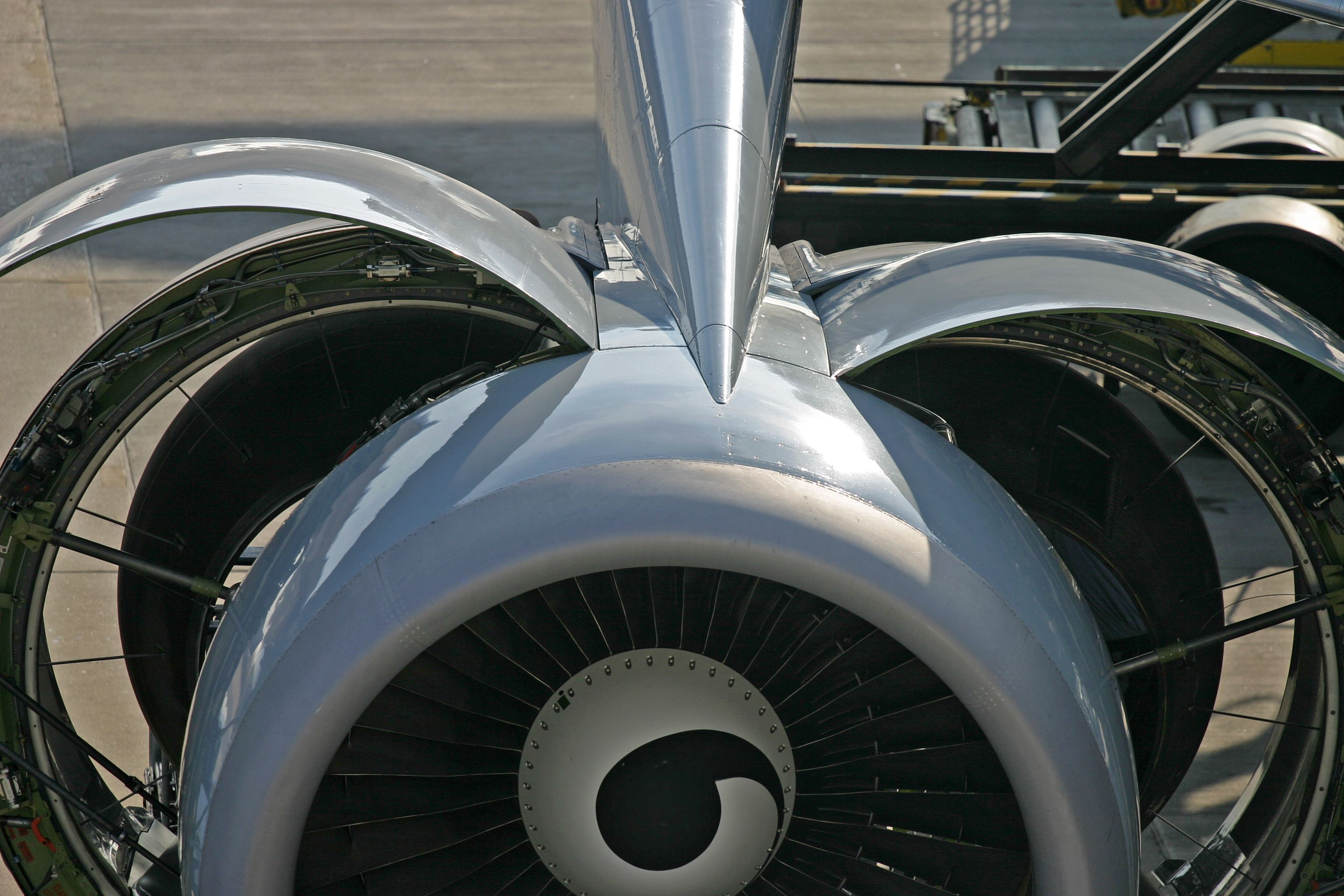 Uploaded Image: /uploads/images/aircraft engine.jpg